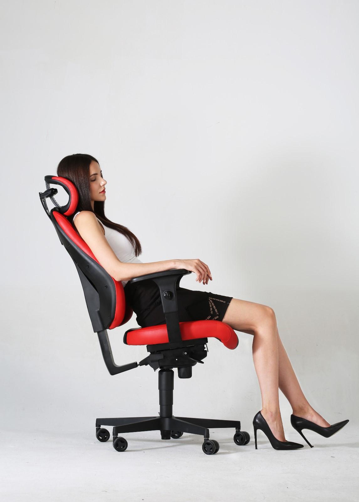 电竞椅模特3.jpg